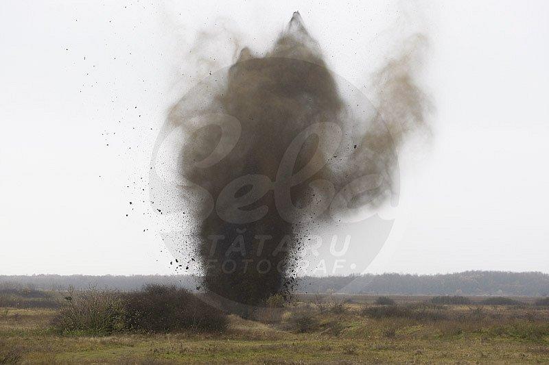 explozie-bombe-poligon-TS2.jpg